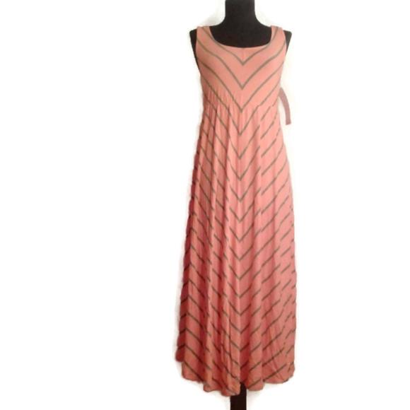 c56570335 Liz Lange Maternity Chevron Dress
